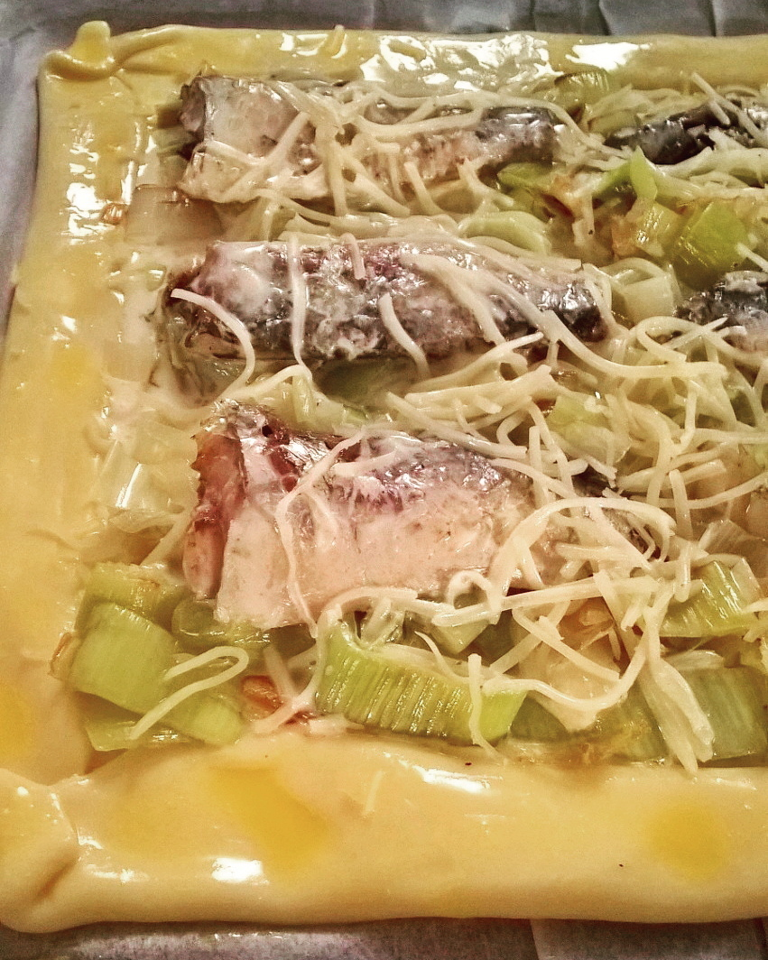 Recette du placard tarte feuillet e aux sardines douceur gourmandise - Sardines au four sans odeur ...