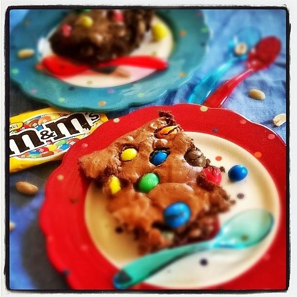 Batonnets Au Chocolat Et Aux Cacahuètes: Brownie Au Chocolat Noir , Cacahuètes Et M&M's